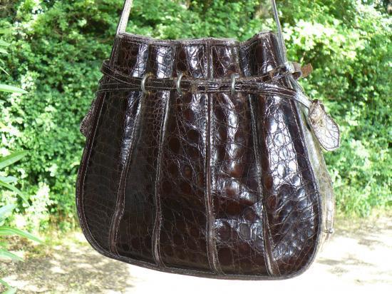 Remise en état d'un sac à main